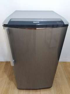 Sale!!! Almost brand new Sanyo (now Haier) 5 cu ft Slim Beauty Refrigerator