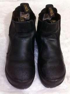 Sepatu safety Kings size 41