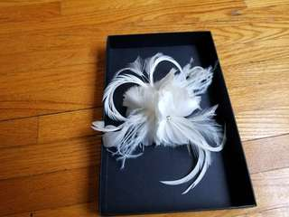 Fascinator. Wedding hairpiece. New. I didn't end up using it. Beautiful and exquisite. Its soft ivory colour. Pick up beaches or yorkville. Purchased for $129.99.