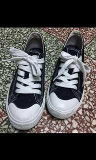 黑色無印帆布鞋