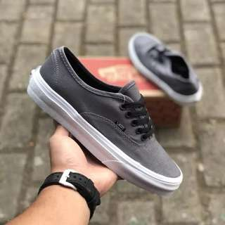 Sepatu vans authentic mono Grey Black white laces BNIB ORIGINAL