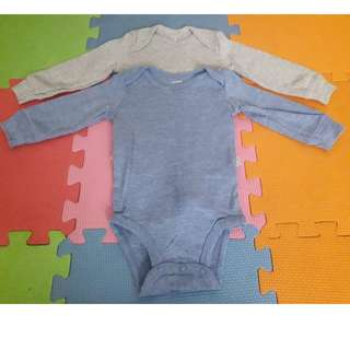 CARTER's Onesies with sleeves ( 6 mos)