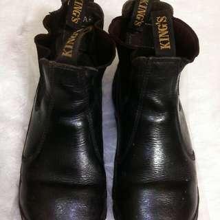 Sepatu safety Kings size 40