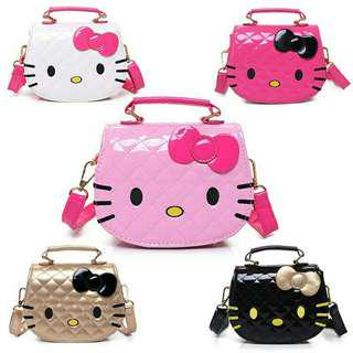😊INSTOCK 😊💯🆕Hello Kitty Sling Bag
