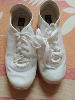 Adidas Neo White Sneakers almost new