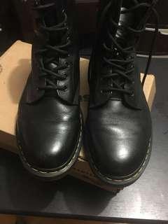 Pre-loved Original DMs Nappa 1460 8-eye boots