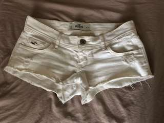 Hollister white hot pants size 24