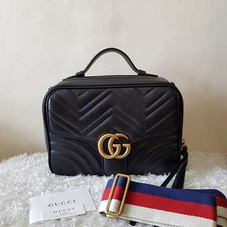 Authentic GUCCI GG Marmont matelassé leather crossbody bag