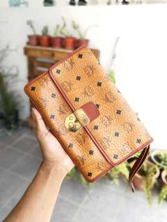 MCM Clutch Multifunction