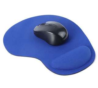 🚚 Ergonomic and comfortable mouse pad