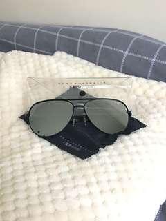QUAYxDesi High Key Black/Silver mirrored