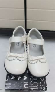 Girl lether Shoes