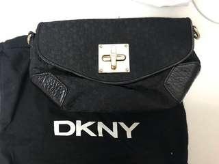 DKNY Clutch Bag 可上膊