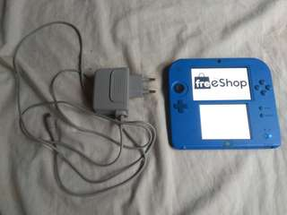 Nintendo 2DS Jailbreak CFW Limited Edition with Freeshop and Games installed