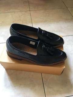 Sepatu Portegoods