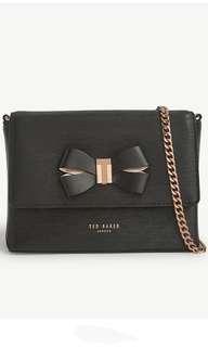 限時特價 全新貨品 Ted Baker Cross-bag  (2色)