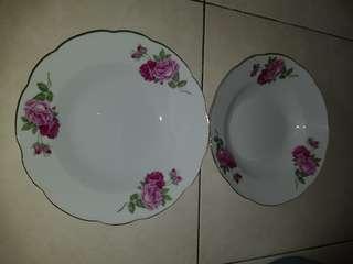 Antique rose plates (2 pcs)