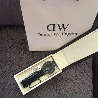 Daniel Wellington leather