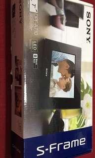 Sony Digital Photo Frame A710