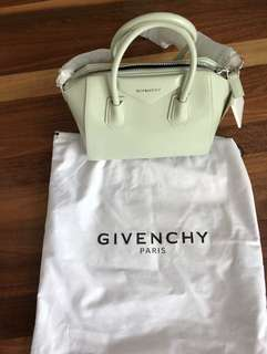 Authentic New Antigona Givenchy bag in pastel green