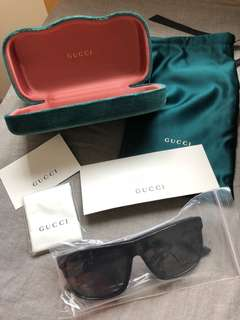 Gucci Sunglasses/G0010S