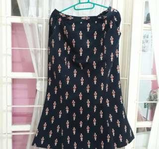 Denim import, rok panjang LP 85 cm, motif bordir keren, bahan ringan nyaman di pakai. kondisi 90%