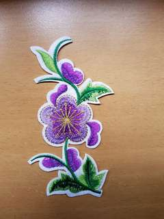 🚚 Purple Flower Iron On Patch