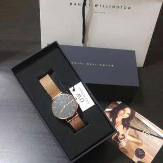 [Valentine's Sale] Authentic Daniel Wellington 32mm Melrose Black