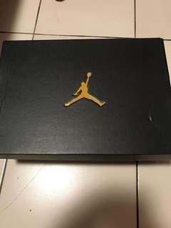 🚚 Nike AIR JORDAN 1MID
