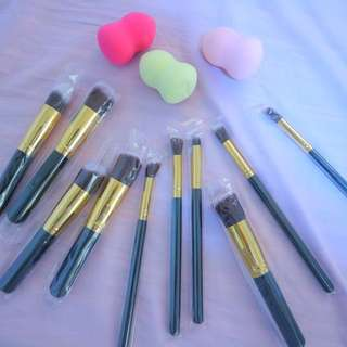 Make Up brushes and beauty blender set
