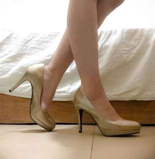 REPRICED (₱250+100[SF]) Kathryn Pumps