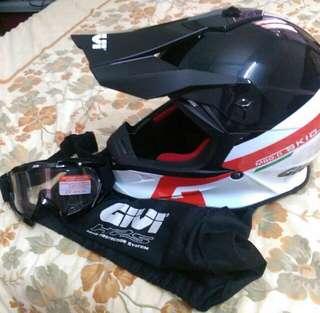 Authentic Givi Helmet Skid M60.0