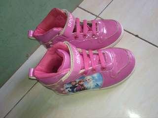 Sepatu boots anak frozen