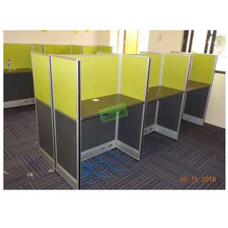 WORKSTATIONS OFFICE CUBICLES (TWO-TONE FABRIC PARTITIONS)