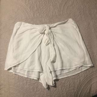 White tie up shorts