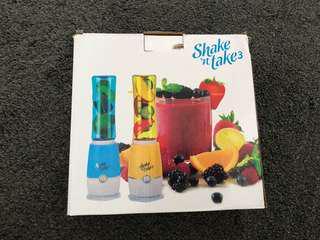 Shake & Take 3 fruit juice blender