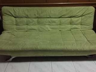 Kursi bisa menjadi tempat tidur