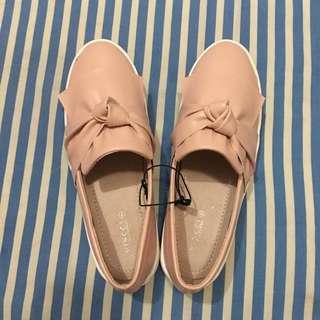 Sepatu Vincci (VNC) Size 38