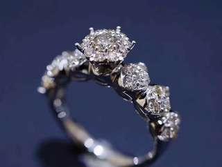 維多利亞夢幻蕾絲戒 鑽石總量達到1卡,主石20份❤