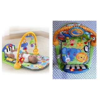 Fisher price kick and play piano gym musica