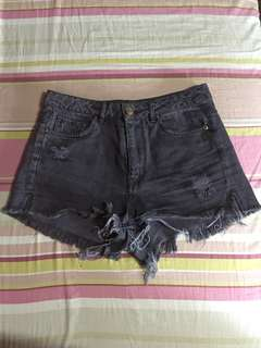 H&M black short