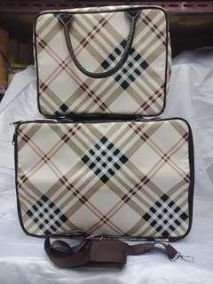 #Angelfans tas koper merah # #marun ada tali # # selempang + resleting + bahan #tebal ukuran 35 * 28 * 10cm # #Tersedia yang lebih besar # # ukuran # 40 * 28 * 17cm dengan # # warna # yang sama ada # # merah # marun + coklat dan #