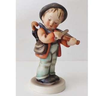 "Goebel Hummel Figurine ""Little Fiddler"""