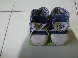 Sepatu prewalker mother care
