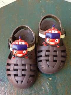 Sepatu Tayo