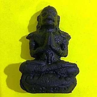 🚚 Lp Sompong Powder Hanuman amulet year 2017