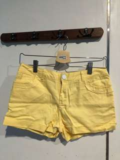 Yellow Shortpants