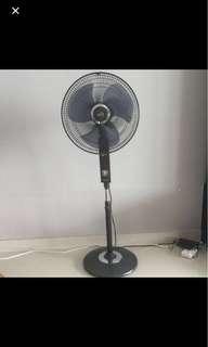 """Mistral 16"""" Standing Fan"""
