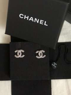 100% new and real Chanel 耳環
