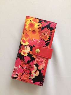 Belle in bloom wallet